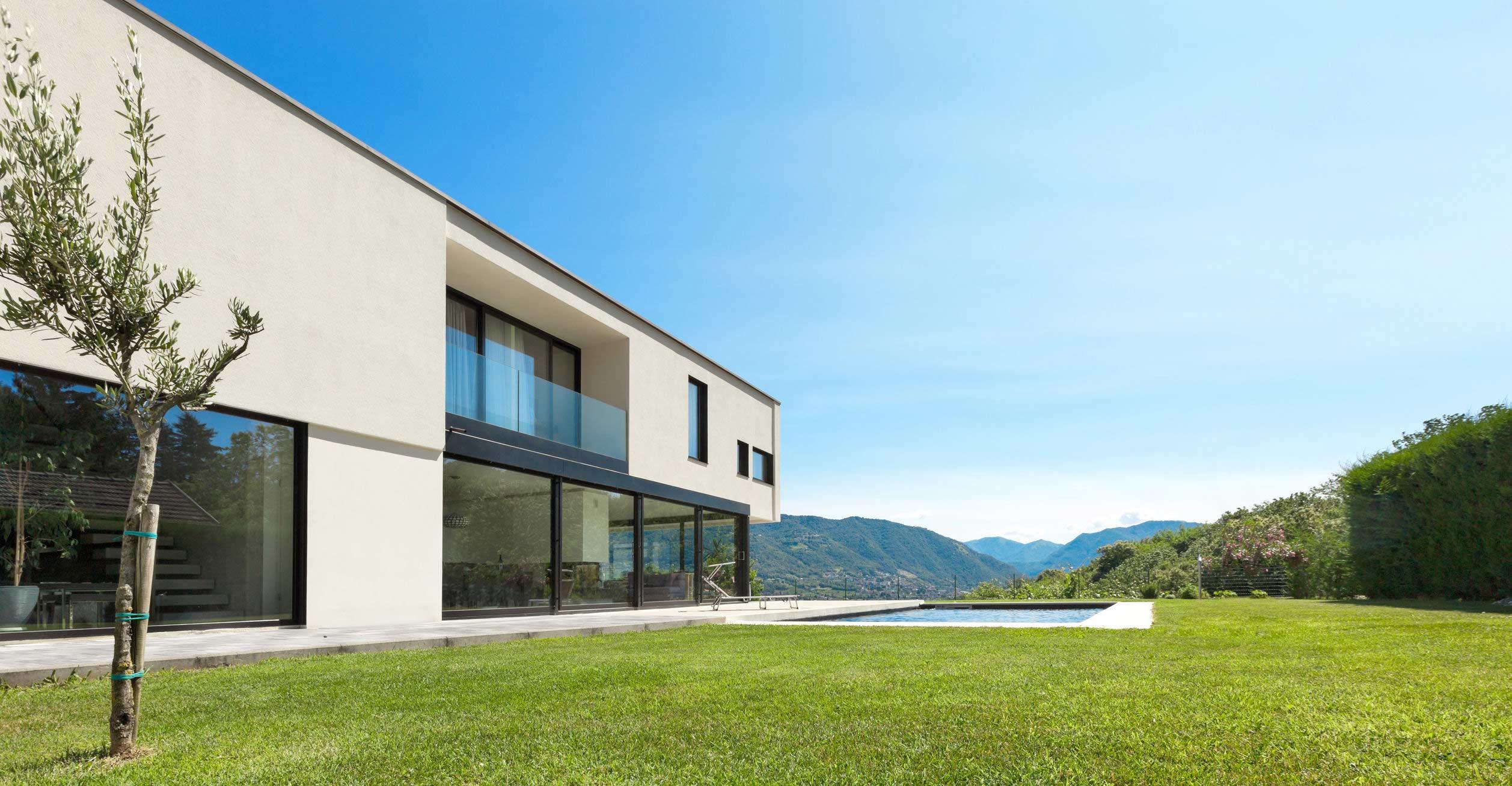 Fassade mit Glastür